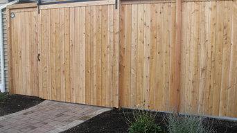 Cedar Valley Estate Fence with barn style door