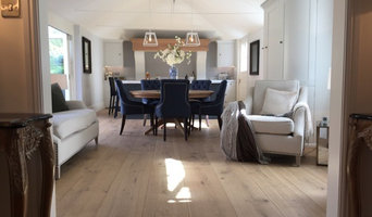 Barn conversion Sussex - specialist wide board engineered oak floor