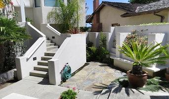 Santa Cruz courtyard