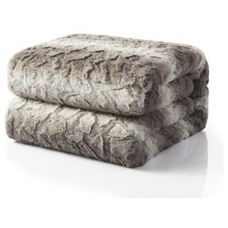 Contemporary Blankets by Tache Home Fashion
