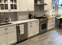 Love  your kitchen  design. What's the floor and wall color? Thanks