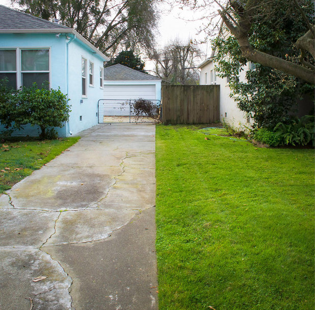 Where Front Yards Collide Property Lines In Pictures on Property Line Privacy Fence