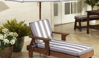 Outdoor Chaise Lounge with Umbrella