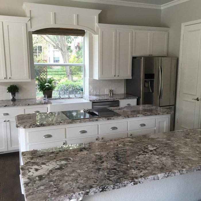 Inspiration for a timeless kitchen remodel in Dallas
