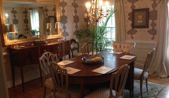 Bull Frog Skin Wallpaper in Dining Room