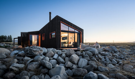 Skylark Cabin: A Luxury Escape Nestled in Open Grasslands