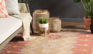 Outdoor Preview: Rugs and Decor