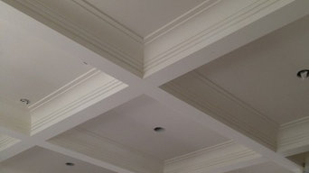 Tray ceiling with plaster coated mouldings