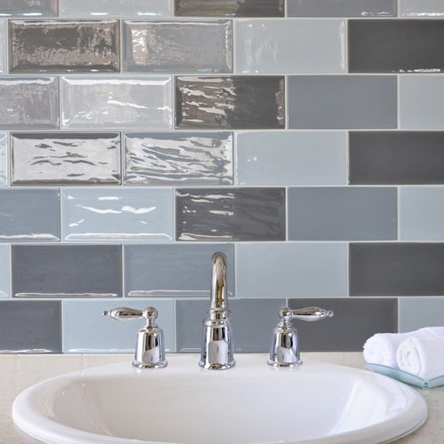 Grey brick tiles flat metro tiles for bathrooms kitchens for Metro tiles kitchen ideas