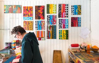 Atelier d'artiste : Les collages éclatants de Sanne à Essaouira