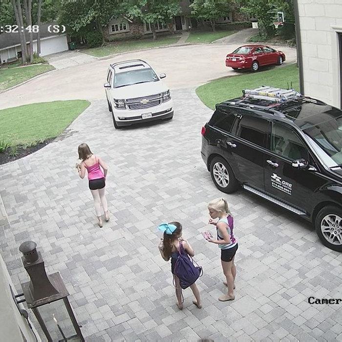 Camera view-drive way