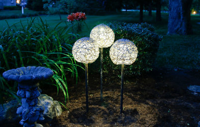 Make a Mod Solar Lamp Trio for the Garden