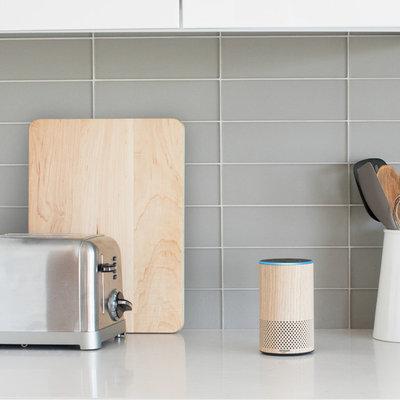 Amazon Echo (2nd Generation) - Oak
