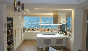 Vista cucina con illuminazione dedicata