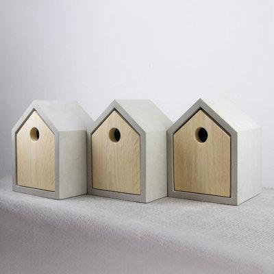 Modern Vogelhäuschen by Das rote Paket - Junges Design für Daheim