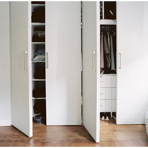 Inspiration For A Mid Sized Modern Gender Neutral Medium Tone Wood Floor  Reach