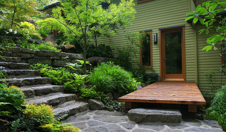 9 Beautiful Shady Yards Overflow With Lush Plantings