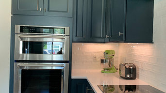 Beautiful Stainless & Black Appliances.