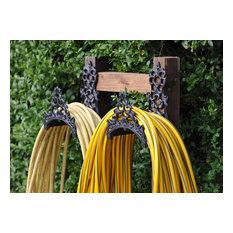 Cast-iron hose tidy