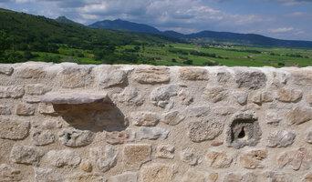 Mur de soutènement en pierre hourdé au mortier de chaux