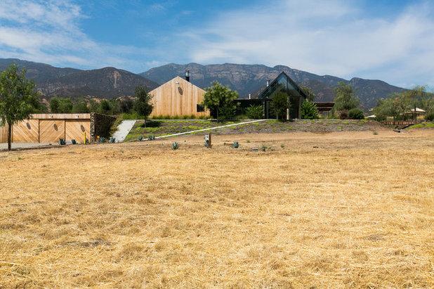 Farmhouse  by Sherri J Photography
