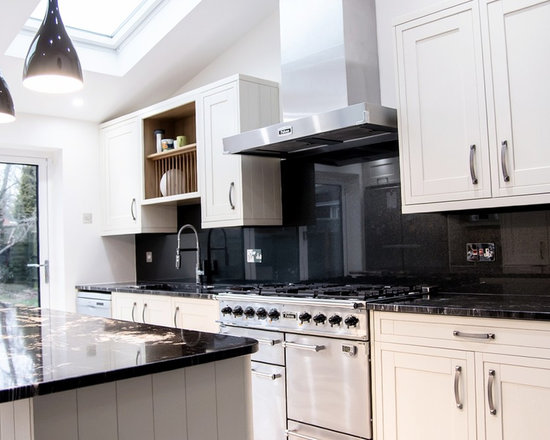 "White Kitchen Splashback satin black"" glass splashback on white kitchen"