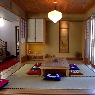 Example of a mid-sized zen home design design in Denver