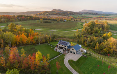 In Vermont, a Zero-Energy Modern Farmhouse-Style Home