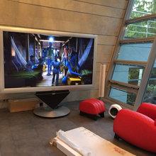 Домашний кинотеатр и умный дом в загородном доме