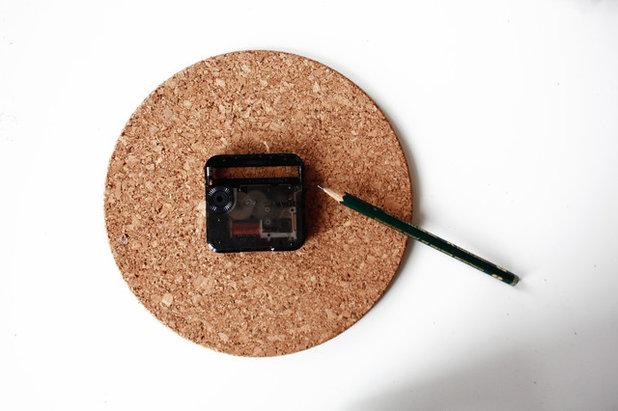 diy comment relooker une vieille pendule avec une jolie photo. Black Bedroom Furniture Sets. Home Design Ideas
