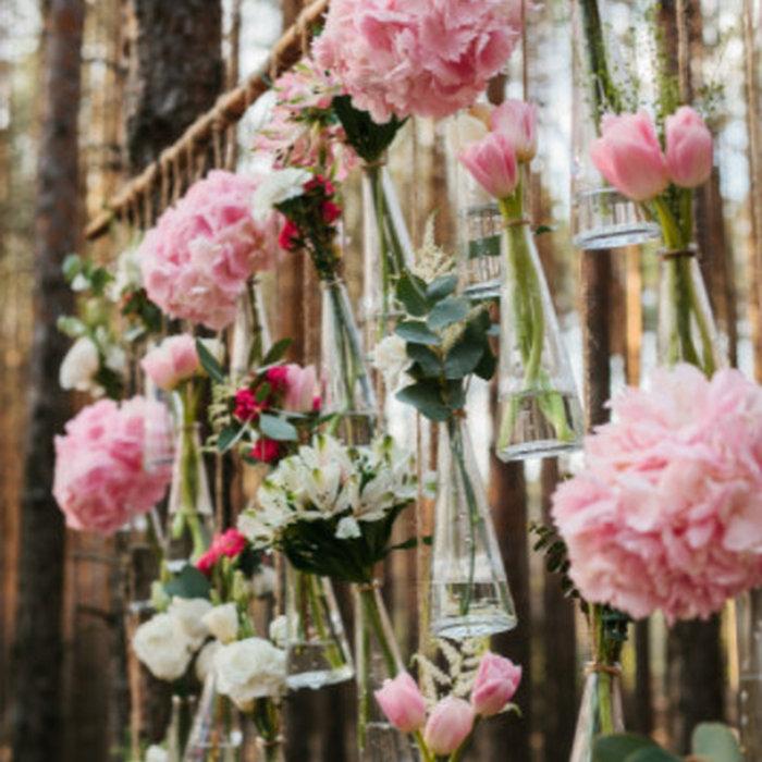 Mariage aérien fleuri