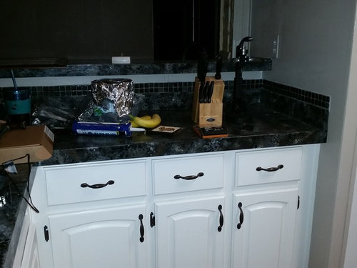 Help with 1990's mobile home kitchen -