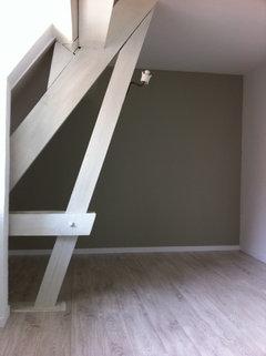 griser une poutre vernis. Black Bedroom Furniture Sets. Home Design Ideas