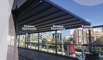Pergolas de aluminio antilluvia en mercado municipal en barcelona