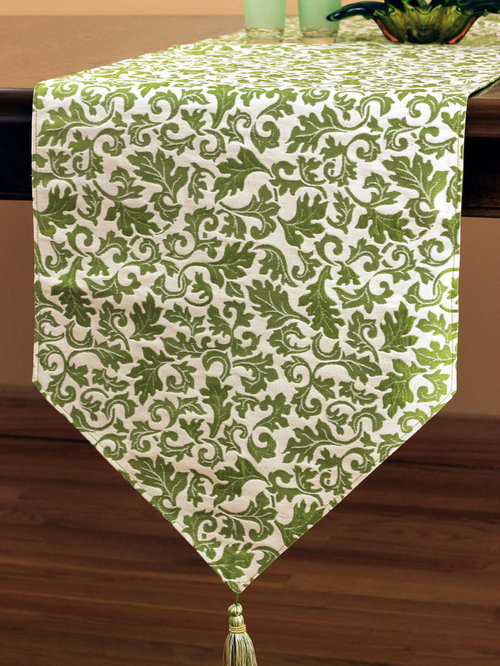 Chic Jacquard Table Runner (Green)   Table Runners