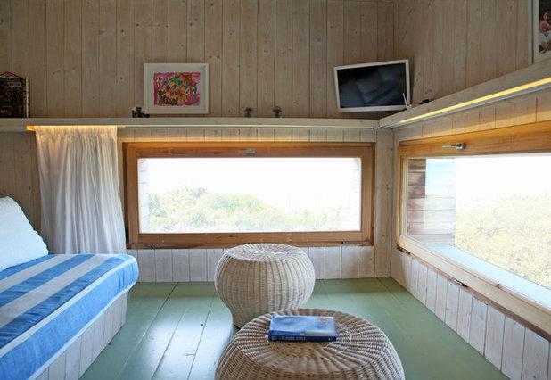 Beach Style Bedroom by Riccardo Caracciolo design&services