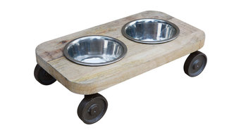 Cat Feeder with wheels