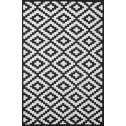 Contemporary Outdoor Rugs by GreenDecore