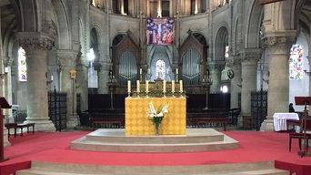 Réalisation en béton ciré de l'autel de la basilique d'Argenteuil.