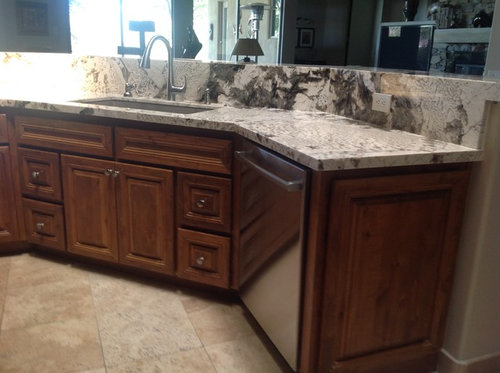 Marvelous What Color Stain On Kitchen Cabinets To Complement Patagonia Interior Design Ideas Apansoteloinfo