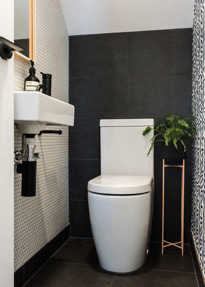 Room of the Week: A Small and Perfectly Formed Powder Room