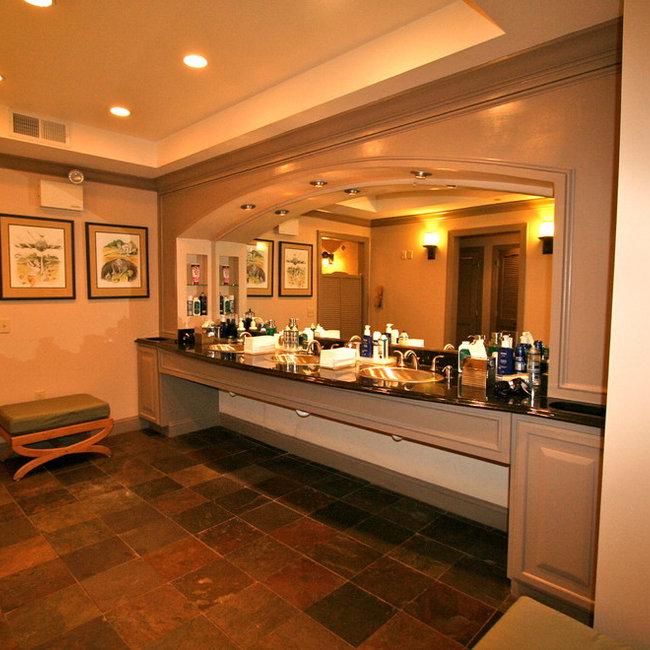Country Club Mens Locker Room Bath