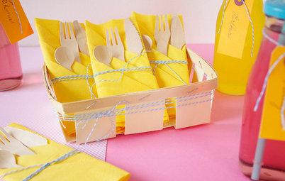 Tischdeko: So falten Sie Ihre Servietten zu einer Bestecktasche