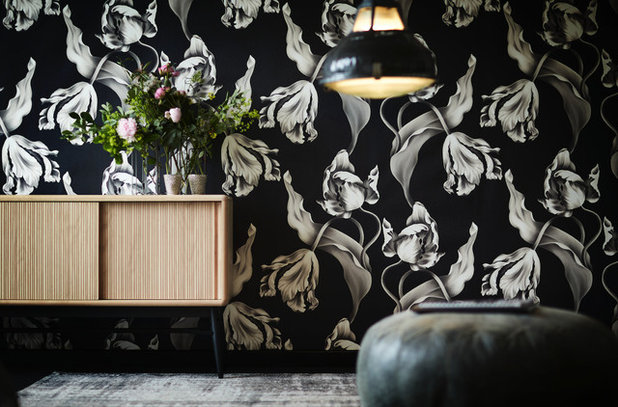 Spotted! Over-Size Floral Wallpapers