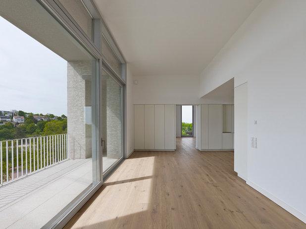 Modern  by Sarah Maier Handgewerke GmbH