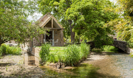 My Houzz: An 18th Century Cottage on a Tiny Island in the Cotswolds