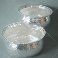 - HAMMERED LOOK SILVERY POTS - Stockpots
