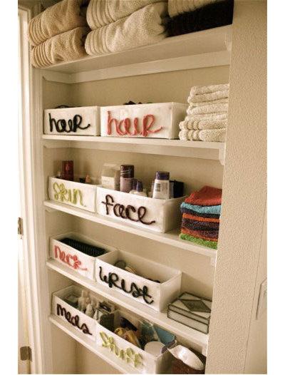 Eclettico  Bathroom storage idea