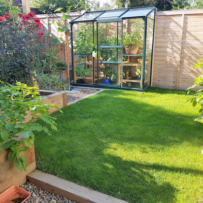 Greenhouse - small scandinavian detached greenhouse idea in Other
