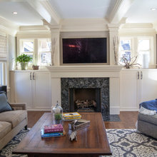 Built in TV / Fireplace